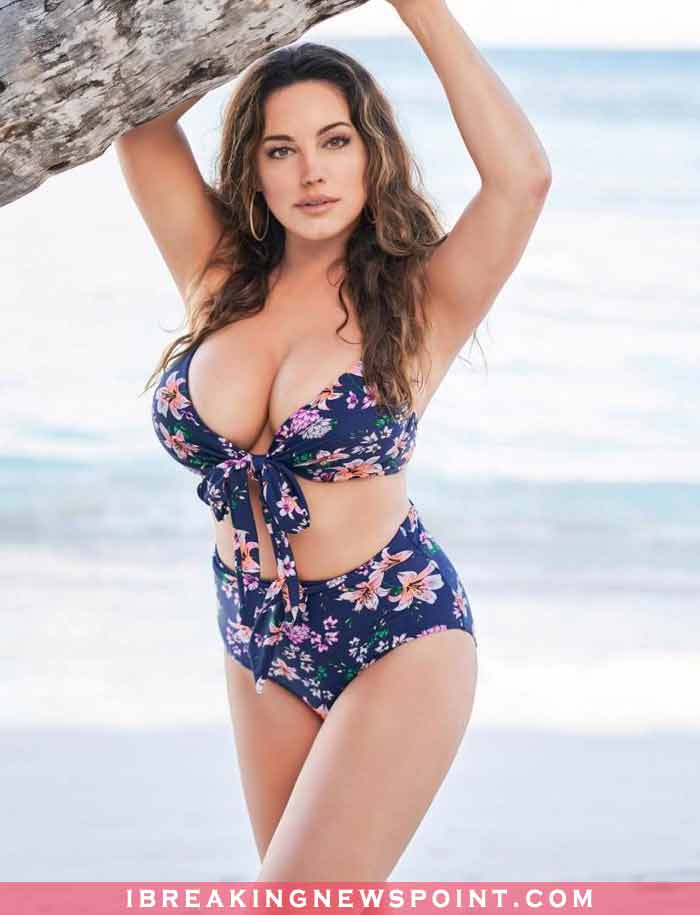 Kelly Brook Chest Pictures, Sexy Kelly Brook, Hot Kelly Brook, Kelly Brook Bikini, Kelly Brook Naked, Sexy Kelly Brook Nude, English Model, English Actress, Hot, sexy Kelly Brook Chest pictures,