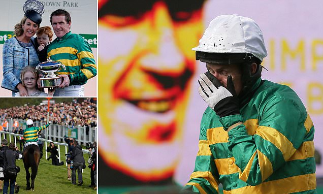 Tony McCoy's rides his final race at Sandown Park after 20 years