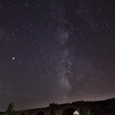 Vía Láctea sobre Puente Ajuda