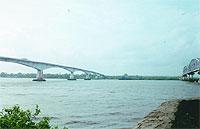 Ponte sobre o Zuari