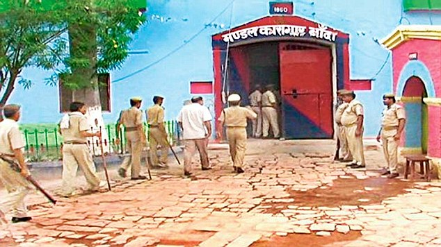 No police officer seems to want to work at Banda jail in Bundelkhand