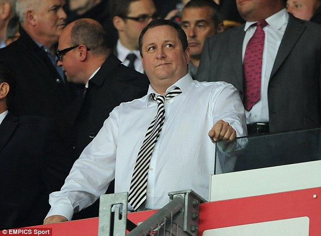 Police have raided the Derbyshire headquarters of Mike Ashley's Sports Direct company as part of an ongoing investigation into the takeovers of Rangers