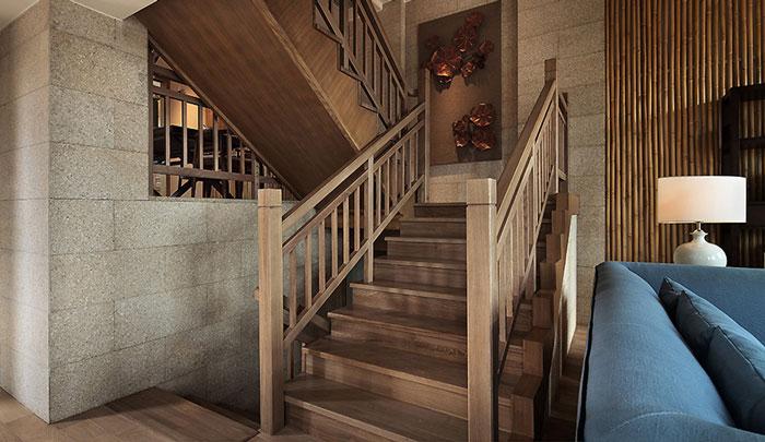 东南亚风格豪宅楼梯装修设计效果图