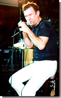 picture of jimmy barnes live on stage 14th june 1998
