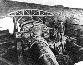Captured Japanese heavy artillery piece at Hutou