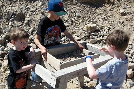 Sifting through gravel to find Spokane Bar sapphires