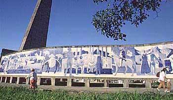 Painel de Poty Lazzarotto, Curitiba, Paraná, Brasil