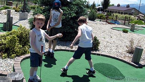 Qwivals Family Fun Center Mini Golf