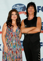 Singer Kelly Clarkson and musician Jeff Beck pose in the press room during the