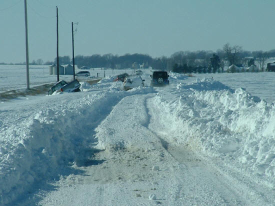 Photo of snow-clogged Indiana 168 near Fort Branch, IN