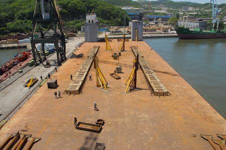 Cubierta del buque Transshelf en la fase previa