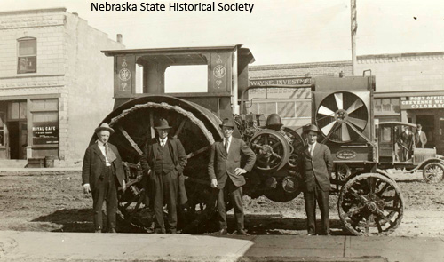 Tractor in Ogallala, Neb., 1918. NSHS RG0716-34-5