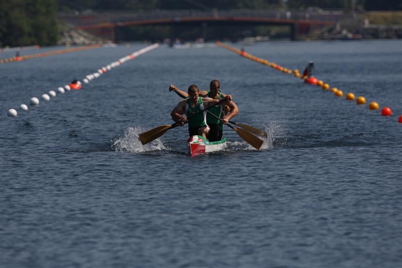 A Men's C4 racing at the 2009 ICF Canoe Sprint World Championships