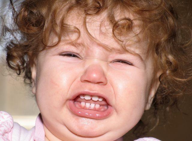 Baby boy names-crying baby girl
