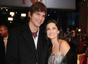 demi moore and ashton kutcher 300x219 Top 10 celebrity couples