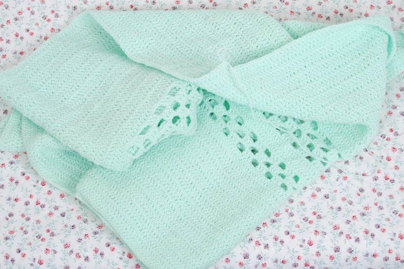 Unfinished_mint_baby_afghan
