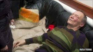 Injured opposition candidate Vladimir Neklyaev. Photo: 19 December 2010