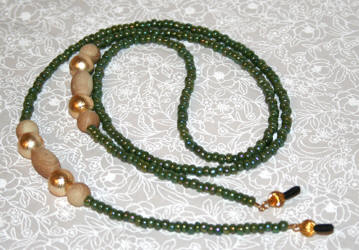 HAND MADE EYEGLASSES HOLDER IRISE GREEN MURANO PERLINE WITH WOOD AND ACRILIC BEADS AND GOLD ACCENTS