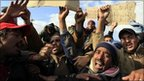 Egyptian migrants hold protest in Tunisia after fleeing Libya (27 February 2011)