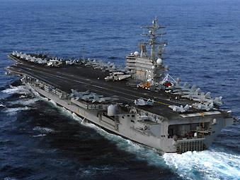 美军里根号航母抵日本灾区沿岸支援自卫队救灾