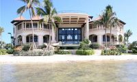 Beach Front House Design – Luxury Single Family Home in Cayman Islands
