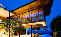 Awesome Exotic Fish House – Green Residence in Singapore