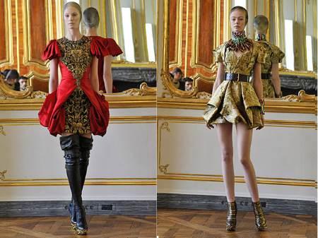 Minivestidos bizarros y glamourosos de Alexander McQueen