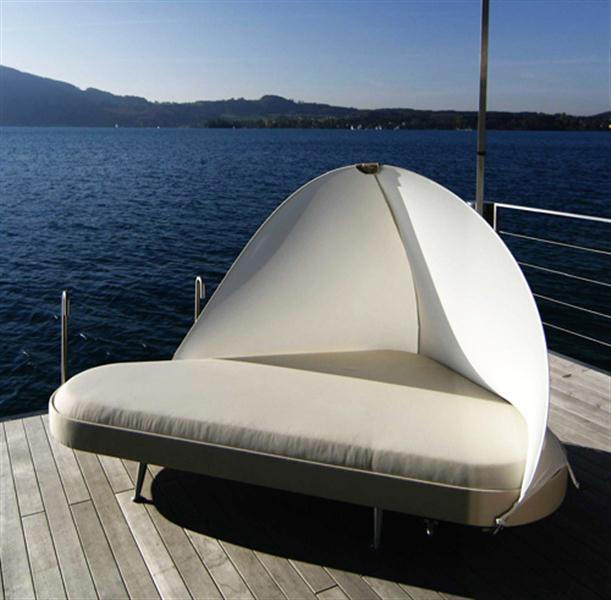 Cornet looks Summer Outdoor Lounge Bed with Contemporary Design