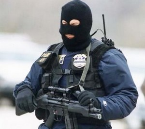 police-state-heavily-armed