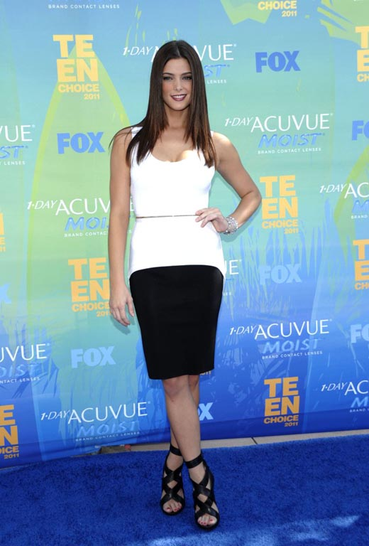Ashley Greene in Black Pencil Skirt _1