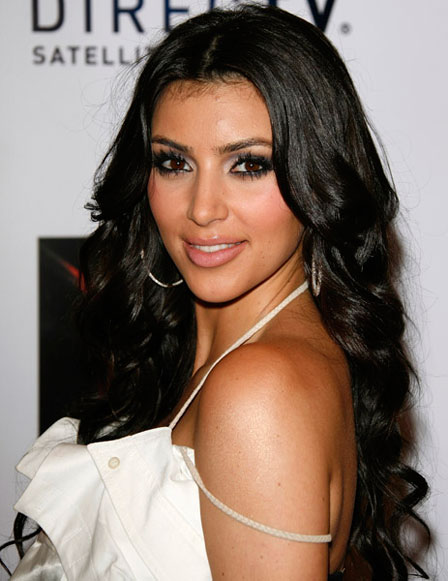 0813 kim kardashian eyes eye makeup bd03 How To:  All You Need For Smokey Eyes...
