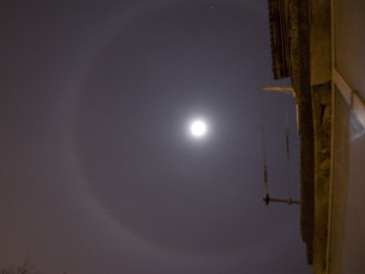 Fenomenul Circular Halo in jurul Lunii