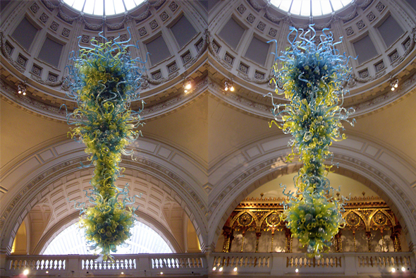 Glass chandelier by Dale Chihuly at the V&A