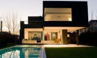 Modern Black Home Design Ideas – Small Size House For Young Couple