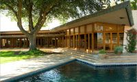 You wanna have Luxury Ranch House with Beautiful Japanese Garden ??