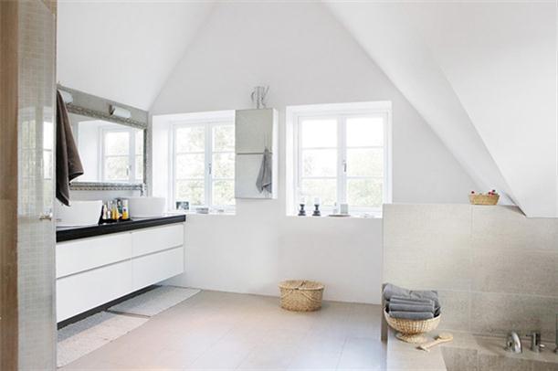 Bathroom at Spacious and Bright Villa Design in Sweden