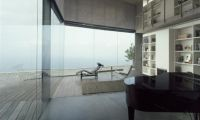 Contemporary Glazing House Design with Sea View