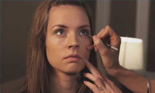 A Good Way To Learn How To Apply Eye Shadow