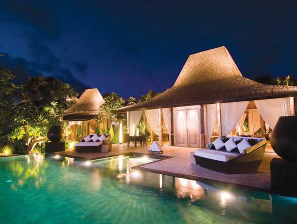 Night View at Luxury and Private Villa Design Khayangan