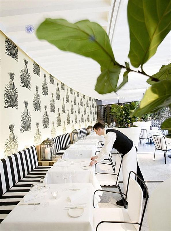 Restaurant with Elegant and Modern Wallpapers Interior Decorating Ideas