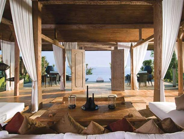 Lounge area at Luxury and Private Villa Design Khayangan