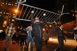 Occupy Wall Street Clash_20120101090939_JPG