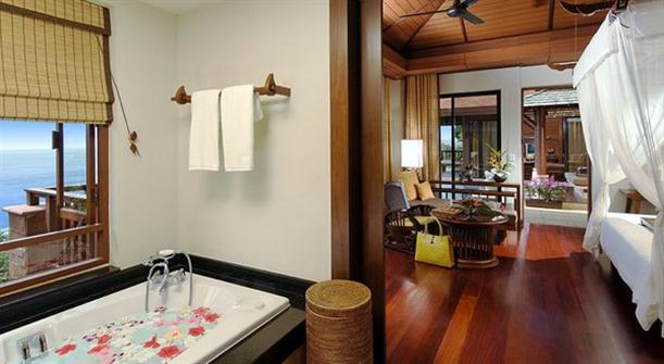The master bedroom with bathtub interior design on Pimalai Resort and Spa