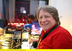 21 Eurovision Song Contest 2010 300x215 Dr. Peter Urban kommentiert