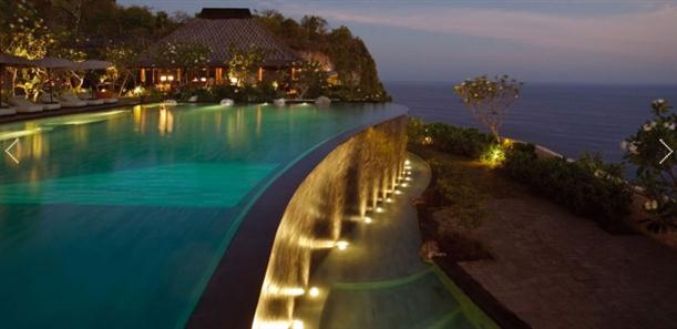 Infinity pool in Luxury and Natural Bulgari Resort in Bali