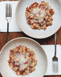 Food Styling Photography: Using 2 Items instead of 1