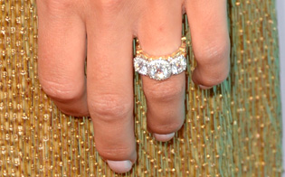 Woman Finds Diamond Ring in Pants She Bought at Goodwill