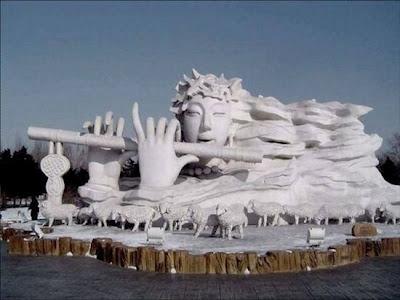 Amazing snow sculpture