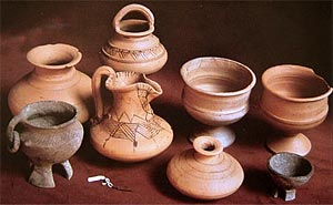 Figure 35. Vaccean pottery from Tomb 37 at Las Ruedas, Pintia. Third to second centuries BC (After Sanz Mínguez and Martín Valls 2001).