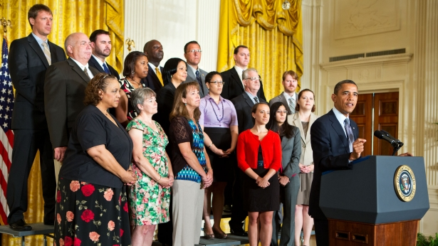President Obama calls on Congress to extend tax cuts for middle class families